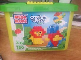 Mega Bloks Junior create and play