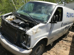 2002 Chevrolet Express  ** FOR PARTS ** INSIDE & OUTSIDE **