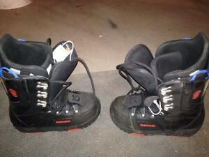 Snowboard with bindings and boots London Ontario image 3