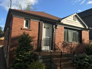 2 Br renovated Bungalow for short term