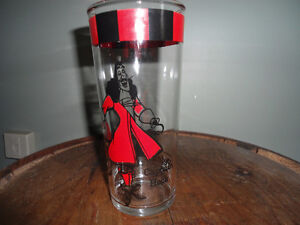 CAPTAIN HOOK GLASS