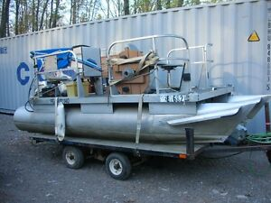 For Sale Pontoon Boat 14 x 6 Ft  with Honda O. B.