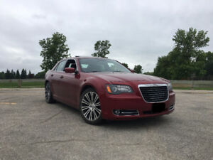 2013 Chrysler 300S(41000KM,Beats Audio,Panaramic Sunroof )