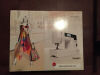 Brand New Sewing Machine Bernette Chicago 5 neuve