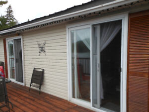 Chalet a Vendre / Waterfront cottage for sale
