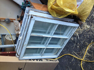 Old Wooden 6-Pane Windows - Decor