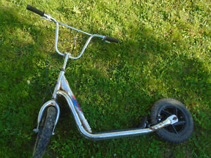 Air Tire Scooter / Trotinette   $40  **PPU