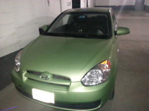 2009 hyundai accent 3Gls hatchback.