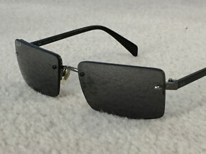 MINT - Ray Ban Polarized Sunglasses - Model RB 3202 Sidestreet