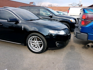 Mint LINCOLN MKS AWD ...mint well maintained fully loaded