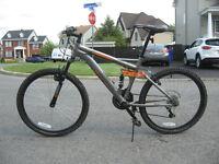 Vélo de montage Mongoose 24 pouces (garçon)