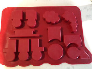 Cupcake pan, silicone, train pull-a-part Peterborough Peterborough Area image 4