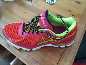 Ladies Asics GT2000