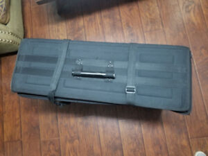 All frame display delivery  suitcases  for sale