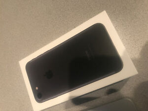 iPhone 7 128GB Matte Black BELL  LIKE NEW $950