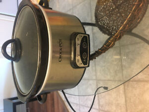 Slow cooker for sale!