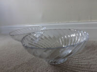 2 matching patterned glass serving dishes