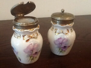Vintage porcelain salt and pepper Windsor Region Ontario image 2