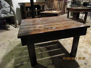 table de salon carree 28.5x27Lx17H pouce
