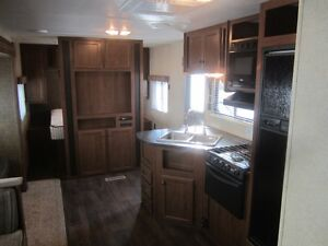 2014 Heartland Pioneer 30QB Travel Trailer ***QUAD BUNKS*** London Ontario image 4