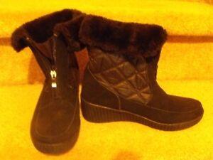 WOMANS WINTER BOOTS