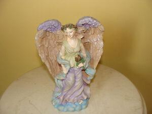 très joli ange en résine