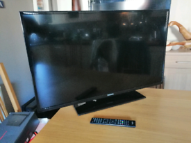 """Panasonic 39"""" Full HD LED TV Television With Freeview HD"""