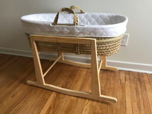 a0597cf2021 Jolly Jumper Bassinet Stand   Kijiji in Ontario. - Buy, Sell & Save ...