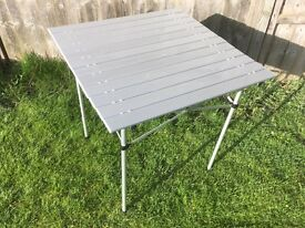 Lightweight folding camp table