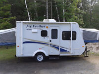 Roulotte Hybride Jayco Jay Feather