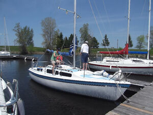 Great family sailboat, sleeps 5 and can also be towed on trailer