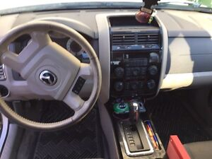2008 Mazda Tribute (with winter tires and rims) West Island Greater Montréal image 8