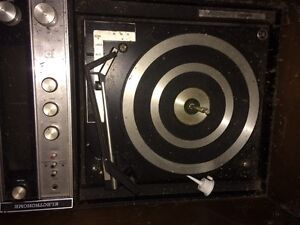 Old 8 track player London Ontario image 2
