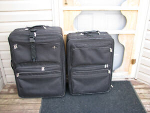 2 Piece Black Luggage Set - Large & Ex-Large Sizes