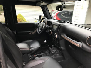 2016 Jeep Wrangler Unlimited 75th Anniversary - $38900
