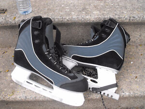 Brand new CCM skates, Mens 13