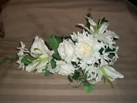 "20"" Mixed Bouquet -Rose/Lily/Stephanotis - White"