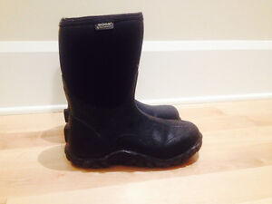 Men's Classic Mid BOGS Insulated boots- BLACK size 7