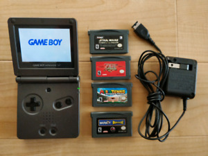 Gameboy Advance SP + 4 games + Charger