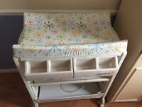 Casatto baby changing unit with bath