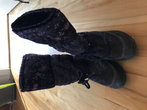 Geox size 3 1/2US girl's winter boot