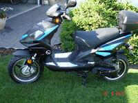 2008 50 cc CMI Striker Scooter