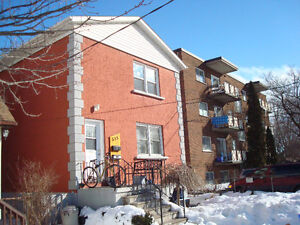 STUDENT SUBLET TWO BEDROOM WITH ENSUITE LAUNDRY
