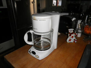 cafetiere a cafe 12 tasse 1 an usure programable