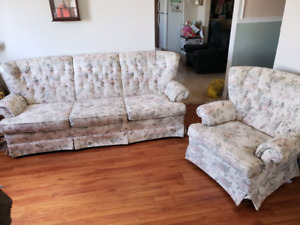Beautiful Couch & Matching Chair **Delivery Included**