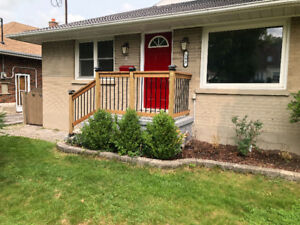 Stunning 3 Bed Upper level in Most Sought after Neighbourhood