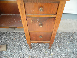 Vanity with Tri-Fold Mirrors & 6 Drawers, over 80 years old. Peterborough Peterborough Area image 4