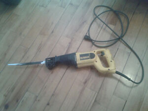 scie alternative Dewalt reciprocating saw (sawzall)