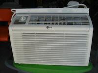 Air climatisé marque LG 5000 BTU - comme neuf -