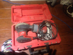 Milwaukee 6021-21 Palm Sander